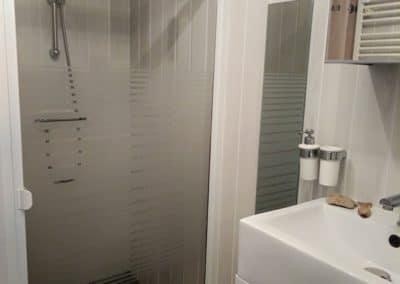 salle de douche du gite le safran à tranche sur mer